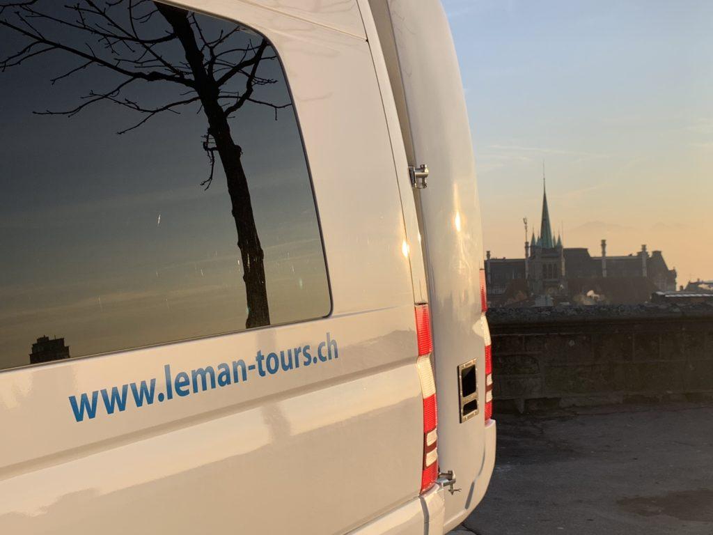 location de minibus pour voyage organisé Lausanne Genève
